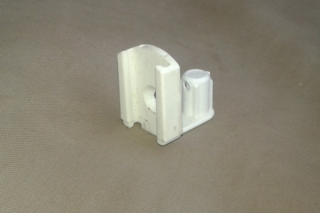 White Plastic Glide for 11/16 Track