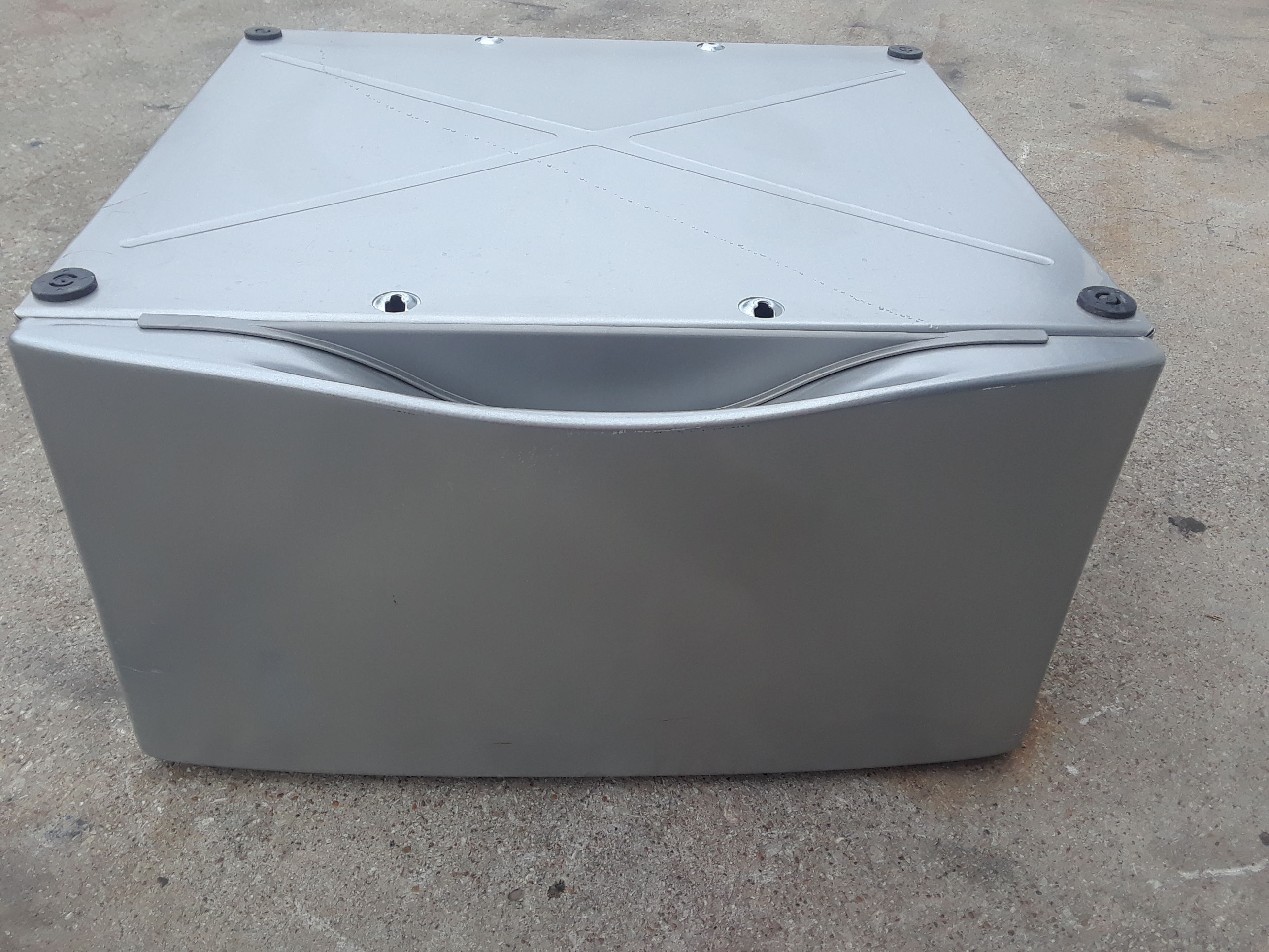 Whirlpool WHP1500SU Storage Pedestal for Washers Dryers