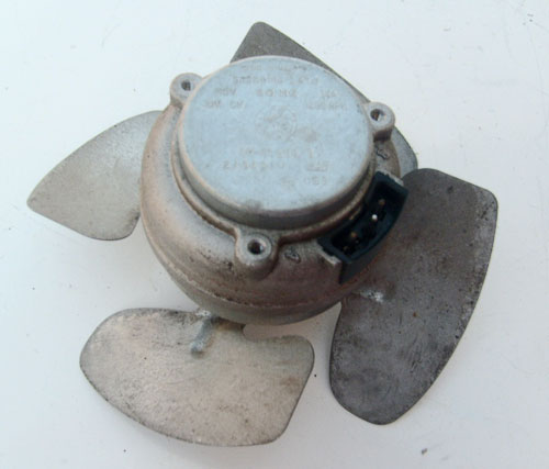 Whirlpool Condenser Fan Motor 2188534 (4387244) with Blade