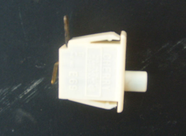 Maytag Door Switch Y305753 (3-5753 305753 131843100) Cherry Push Button Switch 10 AMP 125-250 VAC 1/3 HP
