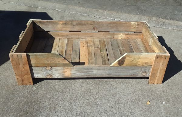 Rustic Wood Dog Bed XL for Pets up to 200 lbs