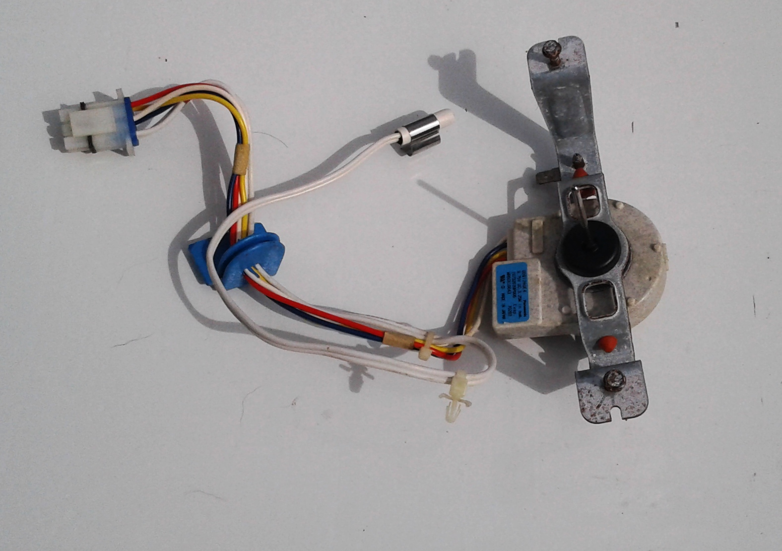 GE Evaporator Fan Motor WR60X10074 with Brackets and Temperature Sensor