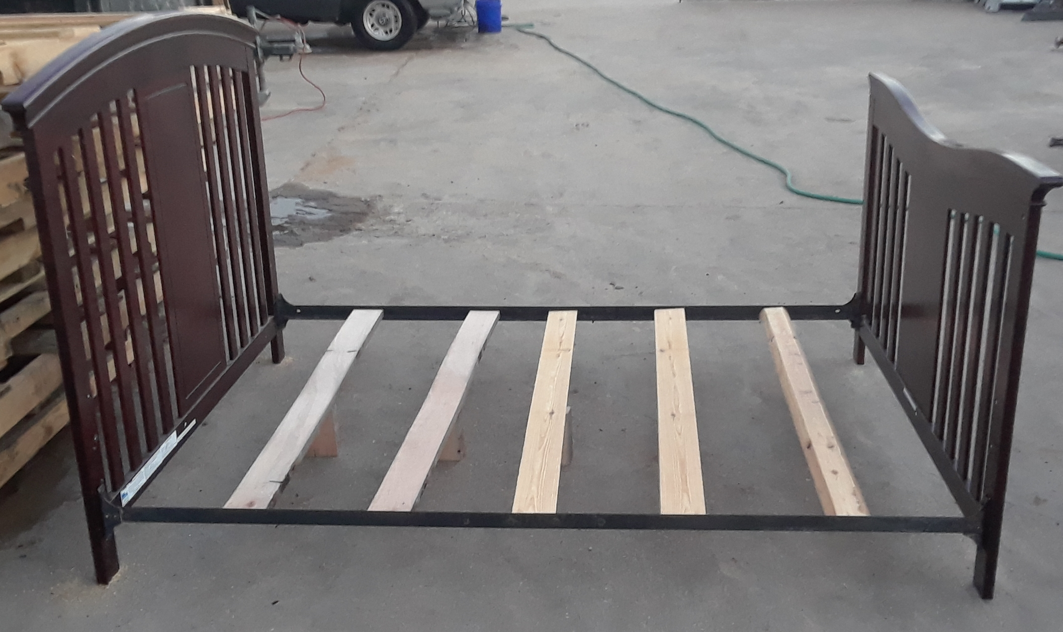Full Size Wood Bed - Local pickup only in Fort Worth, TX