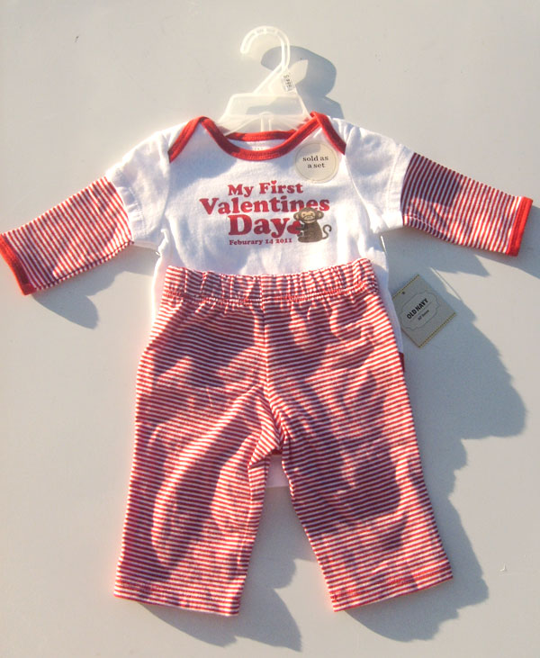 OUT OF STOCK $7.50 My First Valentines Day Baby Set 0-3M Bodysuit and Pant Set OLD NAVY
