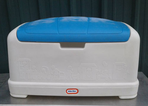 Little Tikes Toy Box with Blue Lid 30X18X17